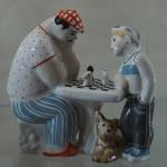 Schachgruppe aus Porzellan